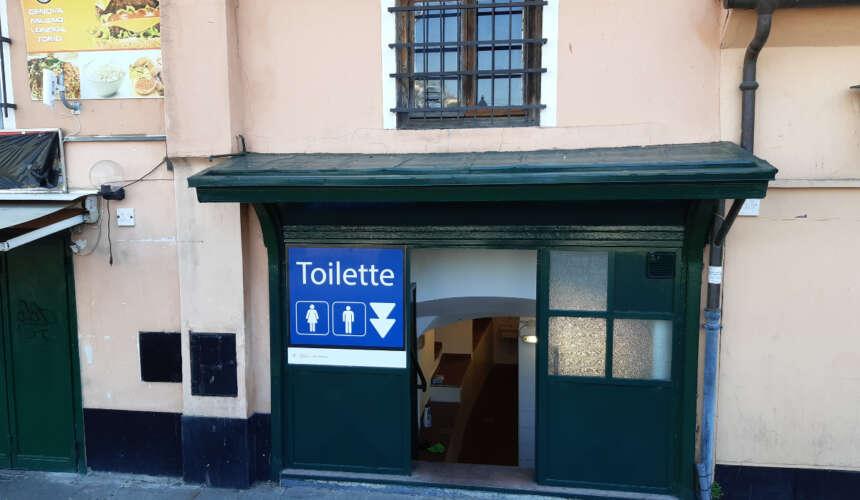 Genova, in settimana ristrutturati 39 vespasiani in città: a Caricamento ecco i servizi igienici